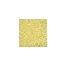 MH Glass Seed Beads 02002 - creme