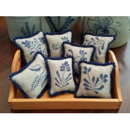 STONEWARE PINPILLOWS